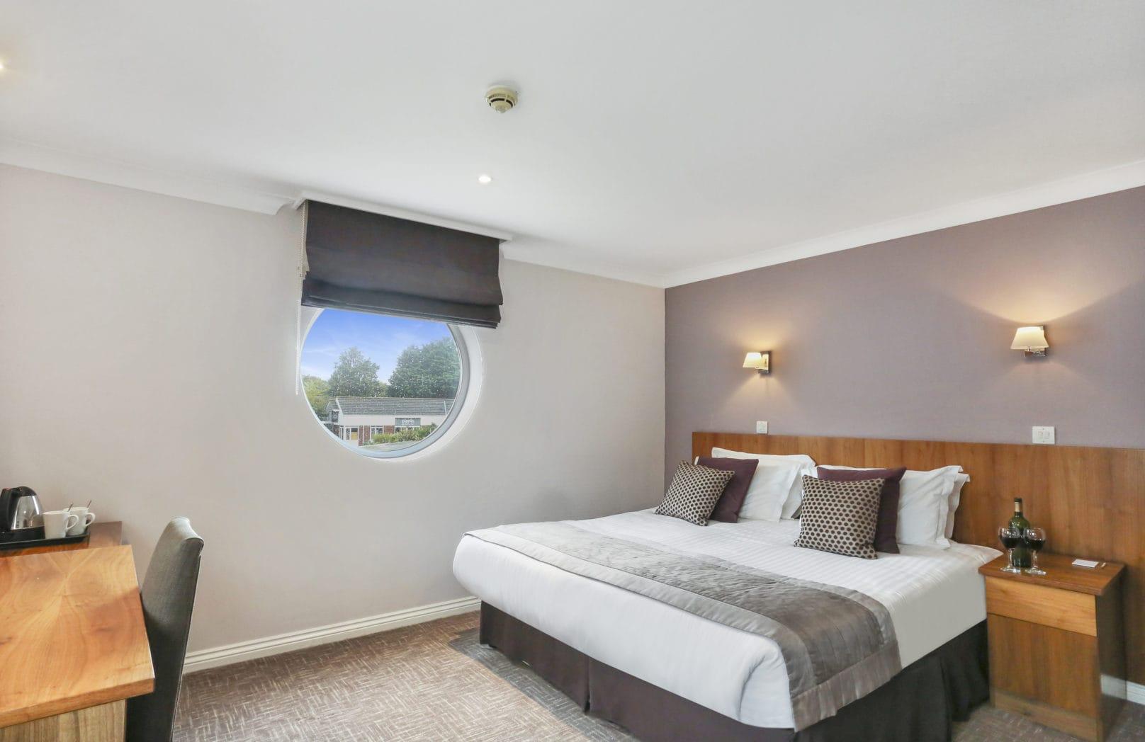 Hotel - Executive Single hotel bedroom