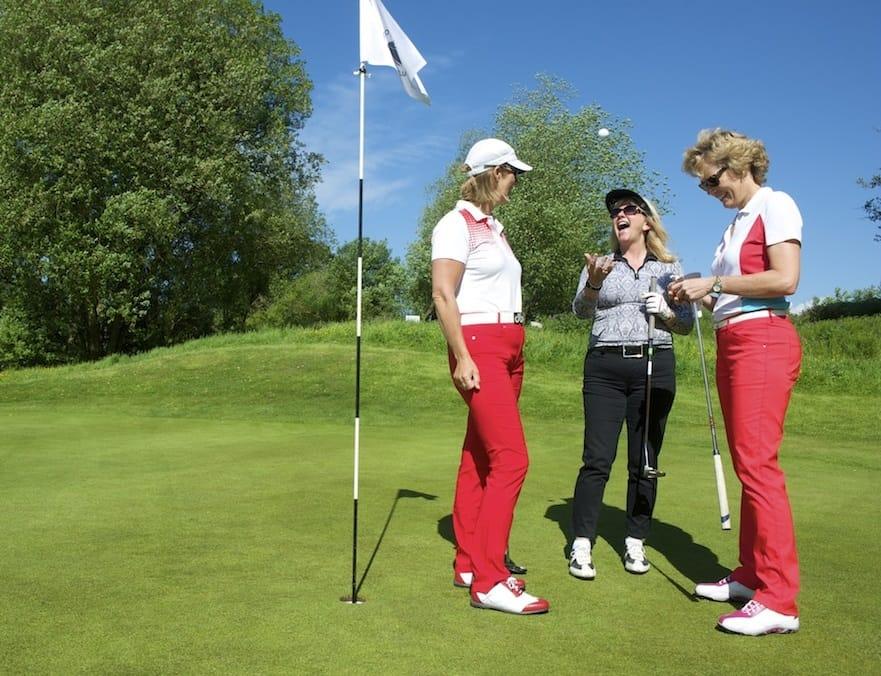 golf - Golfer taking a shot