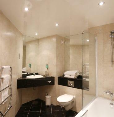 Hotel bedroom SbN