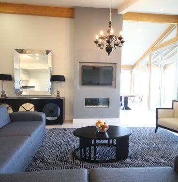 Scarlett Lodge Living Room Lodge