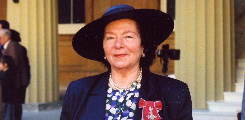 Devora Peake becomes MBE 1996