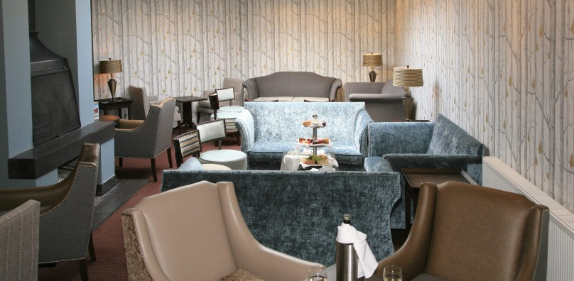 Lounge bar at Stoke by Nayland