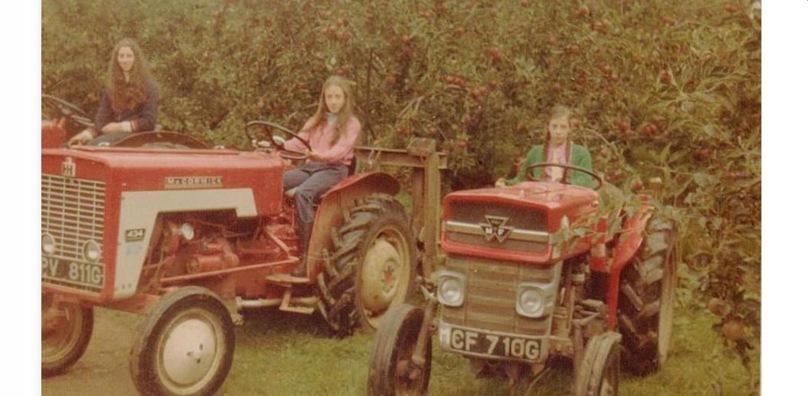 Susanna, Tamara, Carmella Holidays 1970s
