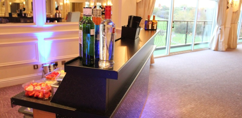 Cocktail bar wedding accessory - Stoke by Nayland