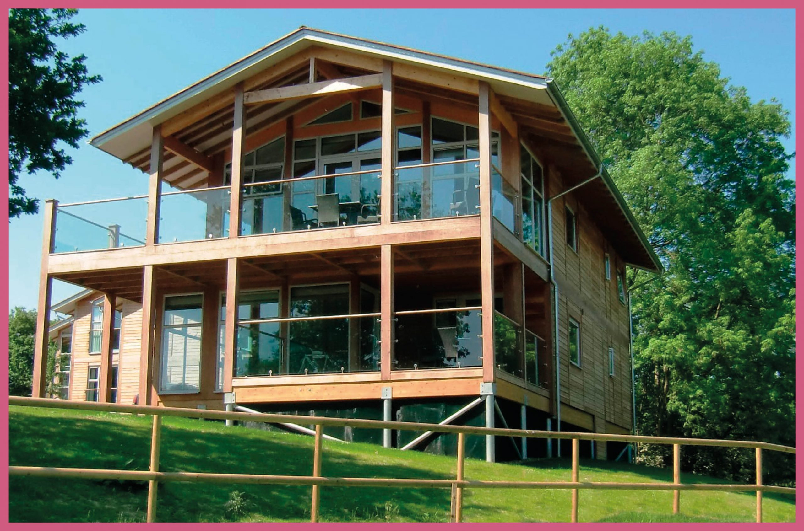 10% discount off Luxury Lodge Staycations